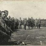 Fotografia przedstawiająca mszę polową odprawioną z okazji utworzenia 7 pułku piechoty legionowej, 1916 r.