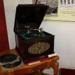 Gramofon firmy Brunswick 1922 USA